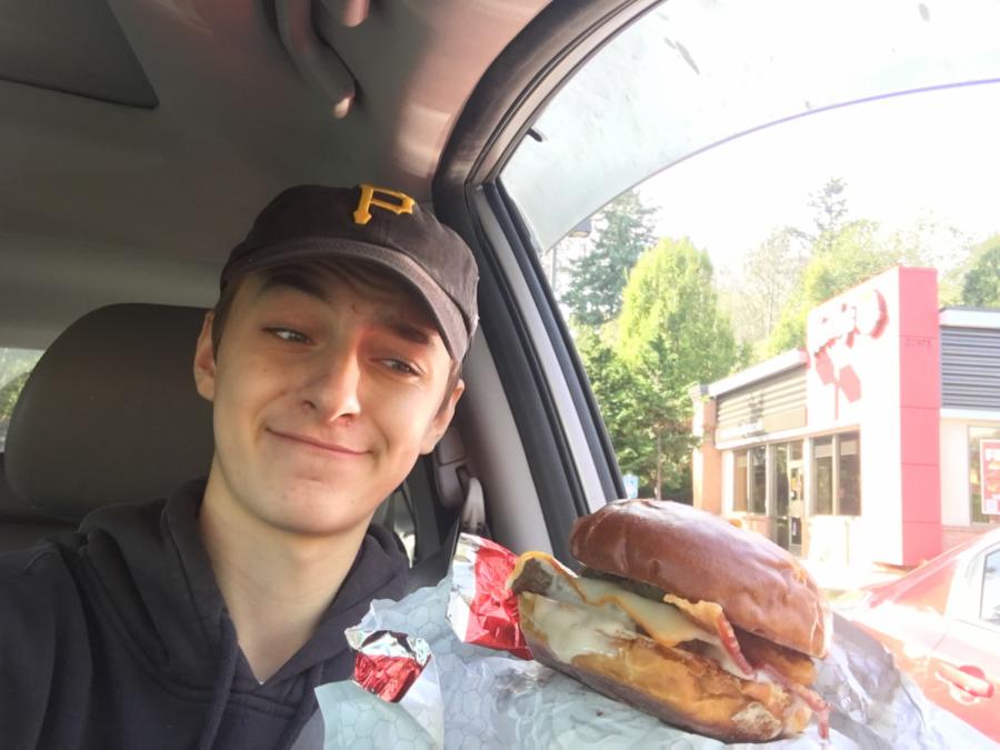 Munchies Review: Wendy's Pretzel Bacon Pub Cheeseburger