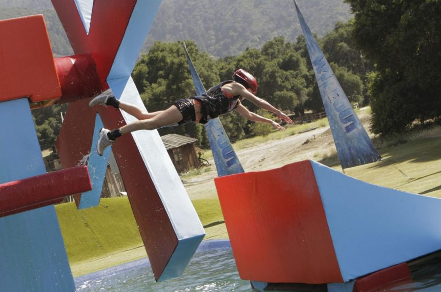Photo+taken+by+Mike+Weaver+of+a+contestant+performing+a+jump+on+Wipeout%2C+2011